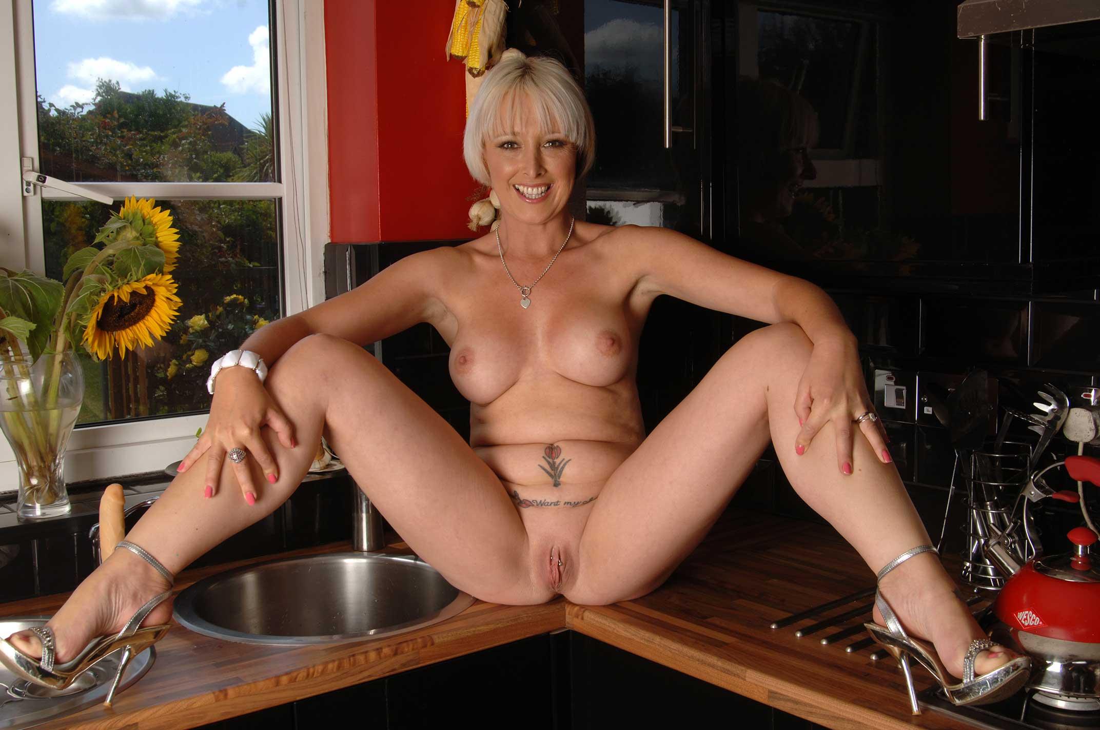 British Naked Milfs