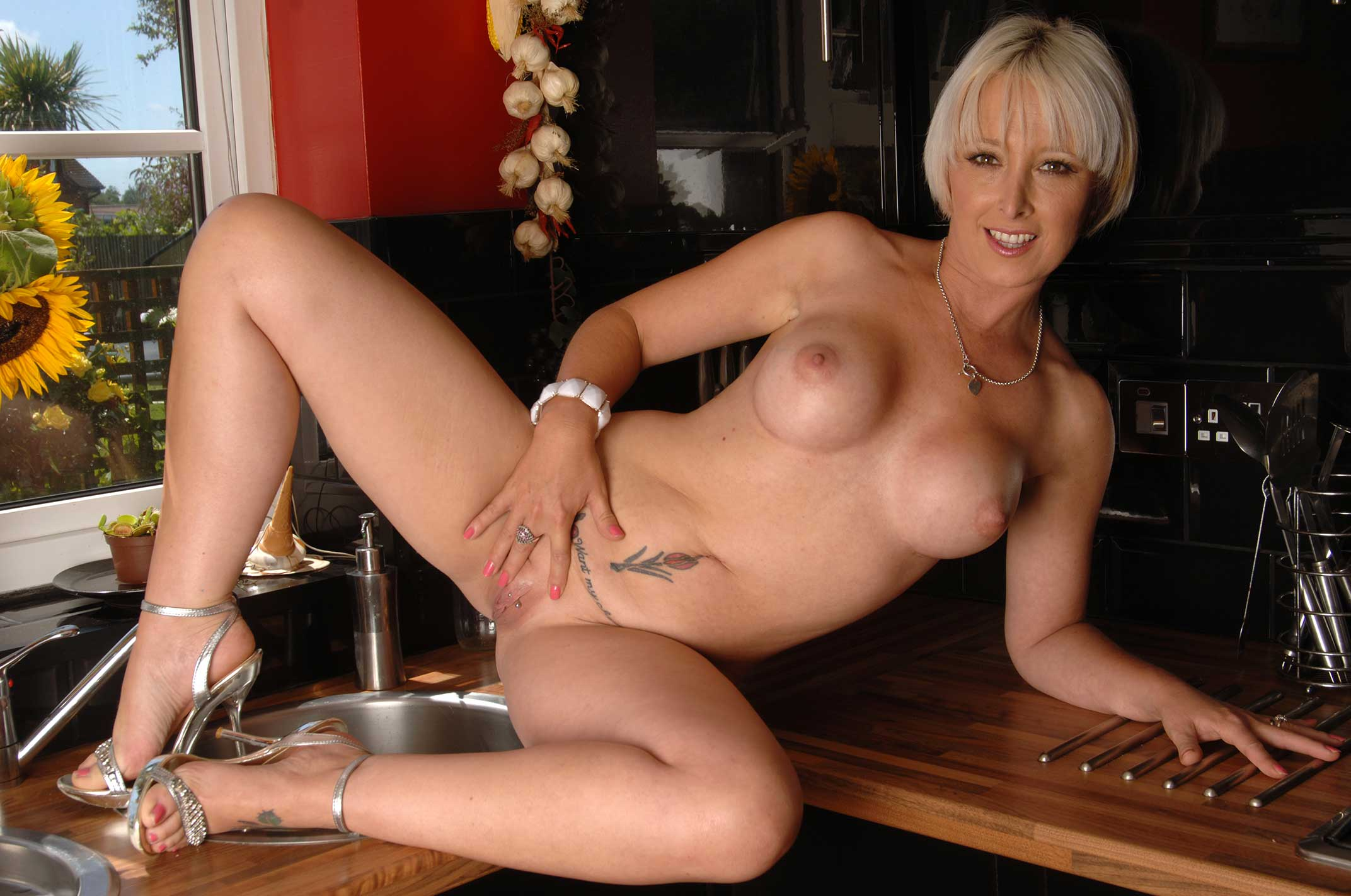 Naked milf uk